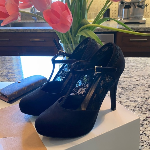 Call it Spring Suede Heels size 8